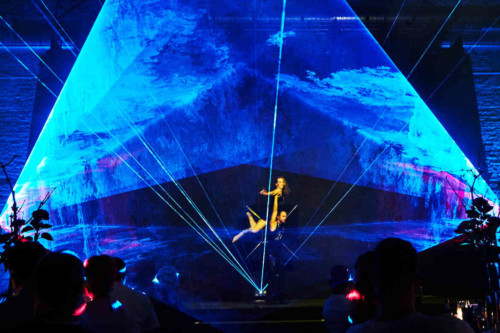 Tanzperformance mit Lichtshow